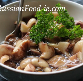 Russian marinated mushrooms recipe