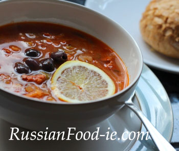 Solyanka soup recipe, Russian smoked meat soup (Solianka)