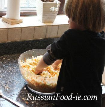 Salting / pickling cabbage for Russian sauerkraut