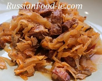 Russian stewed cabbage Solyanka recipe